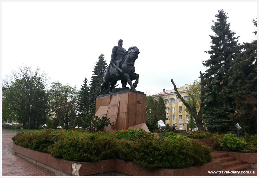 Памятник Данилу Тернополь фото